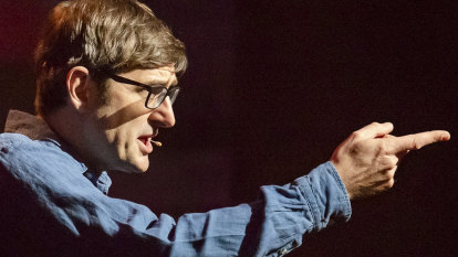 'Weirdo' Theroux takes stage for intimate confession