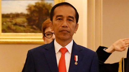 Indonesian President Joko Widodo lands in Australia for historic trade talks