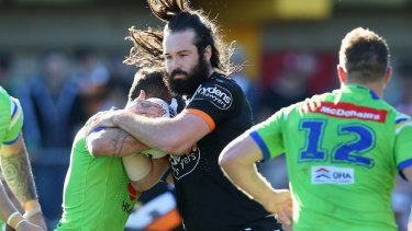 Aaron Woods on the rampage for the Wests Tigers in 2016.