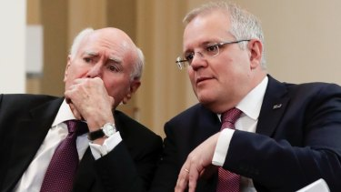 Former prime minister John Howard has praised Scott Morrison's handling of the bushfire crisis.