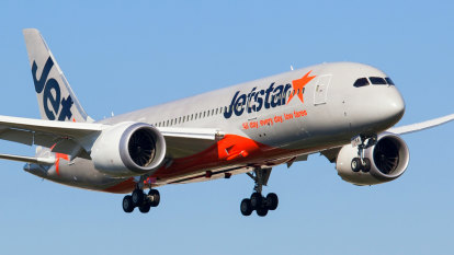 Jetstar considers January flight cancellations to deal with pilot strike