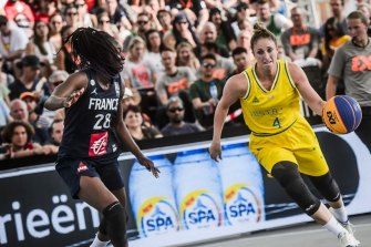 Australian 3x3 player Bec Cole drives to the basket at the FIBA 3x3 World Cup in 2019.