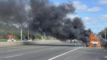 The car fire on Kwinana Freeway started about 3pm causing traffic mayhem for returning holidaymakers.