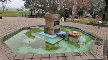 Gundagai's famous Dog on the Tuckerbox has been vandalised.