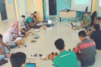 Students in class at the anti-corruption school in Banda Aceh.