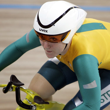 Anna Meares during her world record-breaking 500-metre time trial final in Athens during the 2004 Olympic Games.