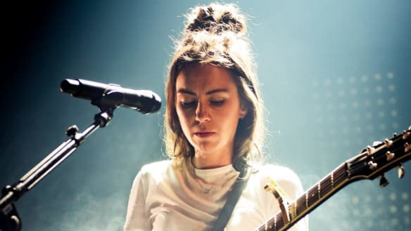 Amy Shark live at the Forum, Melbourne, August 30. Pics by Ian Laidlaw.