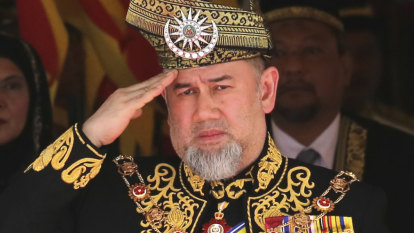 Malaysia's King Muhammad V announces shock abdication