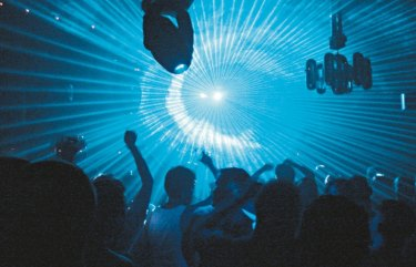 Two nightclub promoters from Melbourne have been arrested in Bali following a series of raids by police investigating a major cocaine trafficking syndicate in the resort town of Canggu.