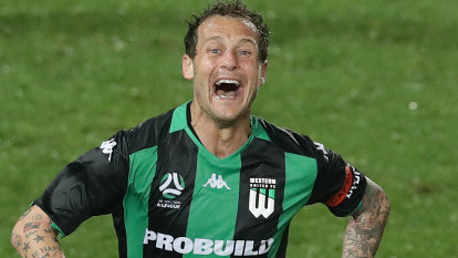 Diamanti brilliance ends Wanderers' hopes of finals football