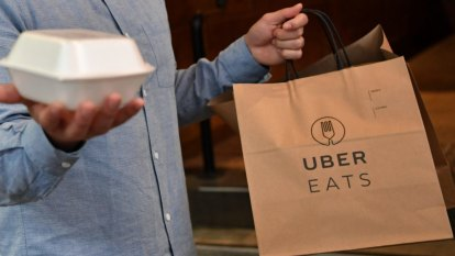 Uber Eats to change 'unfair' contracts with restaurants after ACCC investigation