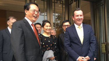 Premier Mark McGowancelebrates the 30th anniversary of the WA-Zhejiang sister-state relationship with Province Communist Party Secretary Che Jun on November 10, 2017.