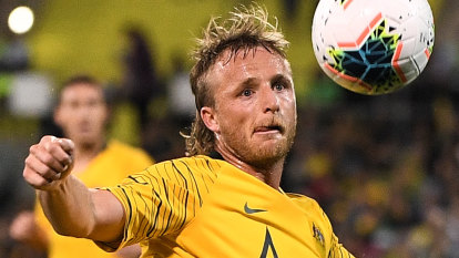Tight Socceroos clicking quickly, Grant says