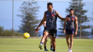 Injured Docker Harley Bennell returned to the track at Cottesloe Oval on Wednesday.