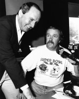 Mike Gibson with Alan Jones in March 1985