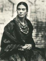 Frida Kahlo, 1930, selenium-toned gelatin silver print. Courtesy of Throckmorton Fine Art, Inc, 1981 Centre for Creative Photography, Arizona Board of Regents.