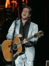 Glenn Frey on stage in 2005.