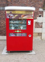 French bread vending machines as posted by the machine company, Distribpain.