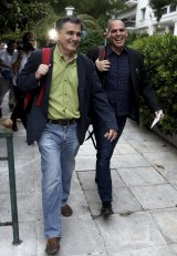 Tsakalotos will be a change of style after Yanis Varoufakis (right).