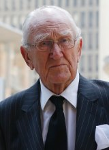 Former prime minister Malcolm Fraser has slammed the government's new asylum seeker laws.