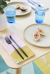 Arro Home has a full spectrum of kitchenware, including glasses, plates, tea towels and placemats.