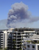 A photo of the bushfire at the Royal National Park, taken from Cronulla.