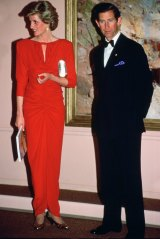 Princess Diana and Prince Charles at the National Galley in Melbourne, 1985, wearing a dress designed by Bruce Oldfield.