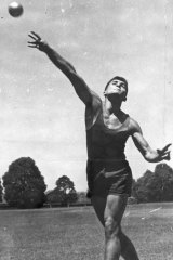 Before he went bush, Fomenko was a talented decathlete, tipped to qualify for the 1956 Melbourne Olympics.