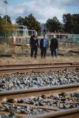 The project plans to use the railway to export recylcables and import rubbish.