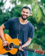 Singer songwriter, Guy Sebastian.