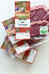 Aldi's Highland Park grass-fed beef packaging is marketed with show medals.