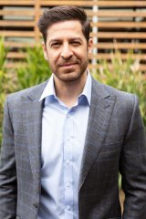 Don Hany joins <i>Neighbours</i>, replacing Tim Robards as Pierce Greyson.