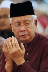 Najib Razak, Malaysia's prime minister, attends prayers at the National Mosque in Kuala Lumpur, Malaysia, on Thursday.