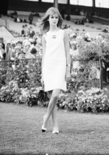 English model Jean Shrimpton attends Derby Day at Flemington Racecourse in Melbourne, October 30, 1965.