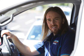 Tim Minchin as Paul in <i>Squinters</i>.