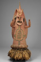 A susu dancing mask used in ceremonies in association with bride price exchanges, the initiation of boys and girls, blackening the teeth of young men and mourning.