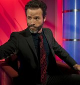 Guy Pearce in Wizards of Aus.