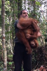 Leif Cocks acknowledges that some people think it crazy to conceive of orangutans as people, but suggests this is a cultural block.