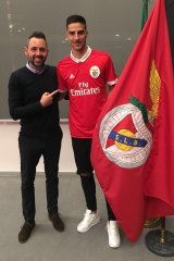 Anthony Carter signs for Benfica.