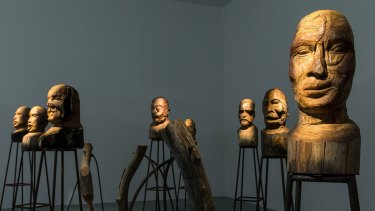 Kader Attia's <i>J'Accuse</I> sees carved wooden heads witness a screening of an anti-war melodrama by Abel Gance .