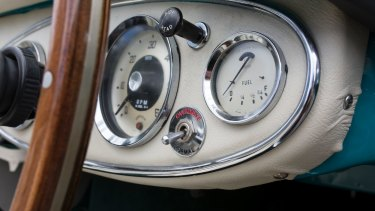Dashboard detail of the 1958 Austin-Healey 100-6 roadster.