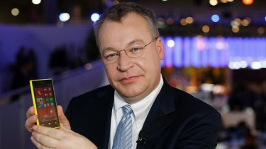 Stephen Elop with a Lumia smartphone in 2013.