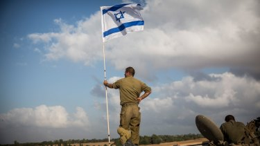 Solidarity: The Machal program allows Jewish foreigners to join the army without becoming citizens.