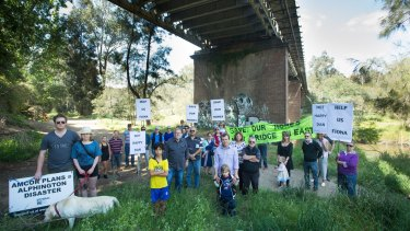 Residents protest VicRoads' plans for the Chandler Highway bridge.
