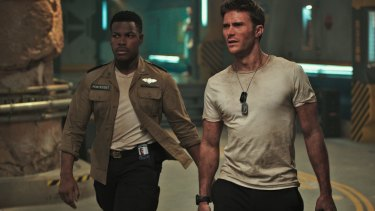 John Boyega (left) and Scott Eastwood in Pacific Rim: Uprising.