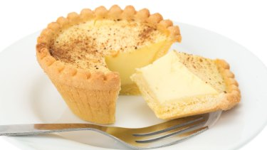 Custard tart has the same amount of saturated fat as 90 grams of cashews.