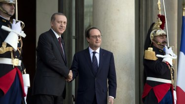 French President Francois Hollande (right) with Turkish President Recep Tayyip Erdogan at the Elysee Palace on October 31. Both countries have criticised the US strategy in Syria.
