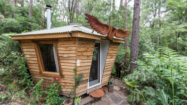 Leave your gadgets and gizmos at the door when you stay at this tree bath house in the Upper Yarra Valley.