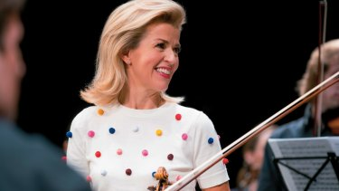 Anne-Sophie Mutter: Perfect intonation and articulation.