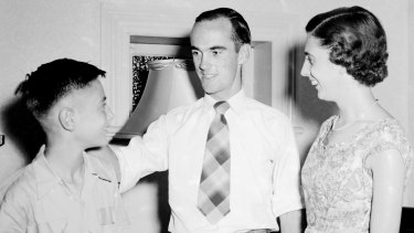 Ian Craig with siblings Geoff and Helen at their Mosman home in 1956.